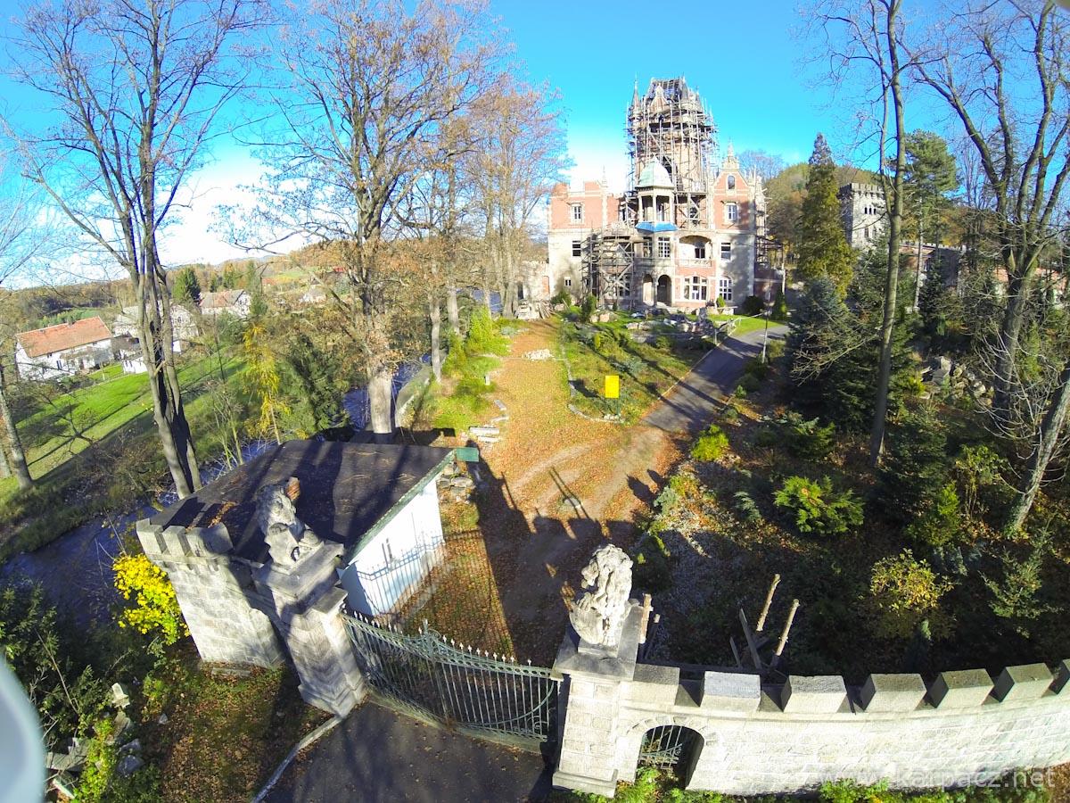 Pałac w Bobrowie - Wojanowie