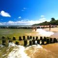 Brzeg morza i plaża w Ustroniu Morskim